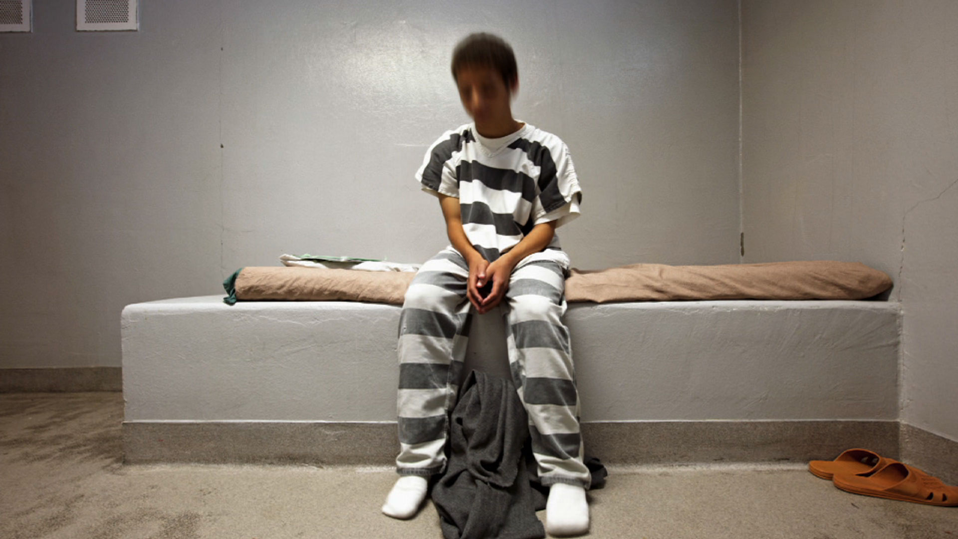 juvenile arrest Juvenile arrest procedures i juvenile a child under the age of eighteen a under age 121: a juvenile under the age of twelve (12) cannot be charged with a crime b age 12 to age 182: a summons is the preferred method for bringing all juveniles.