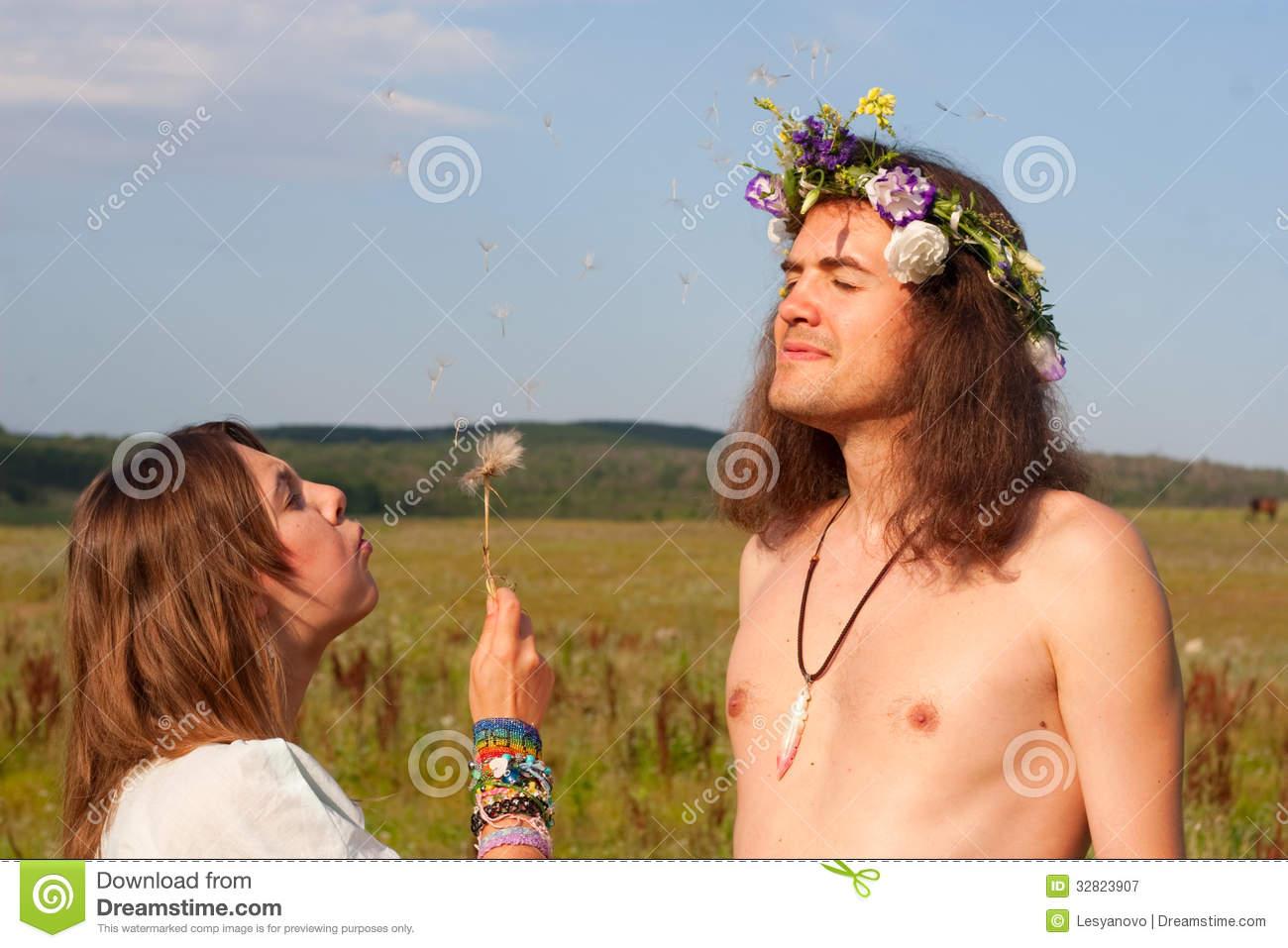 Фото девушек хиппи голых, Старые хиппи ебутся в переулке порно фото бесплатно 8 фотография