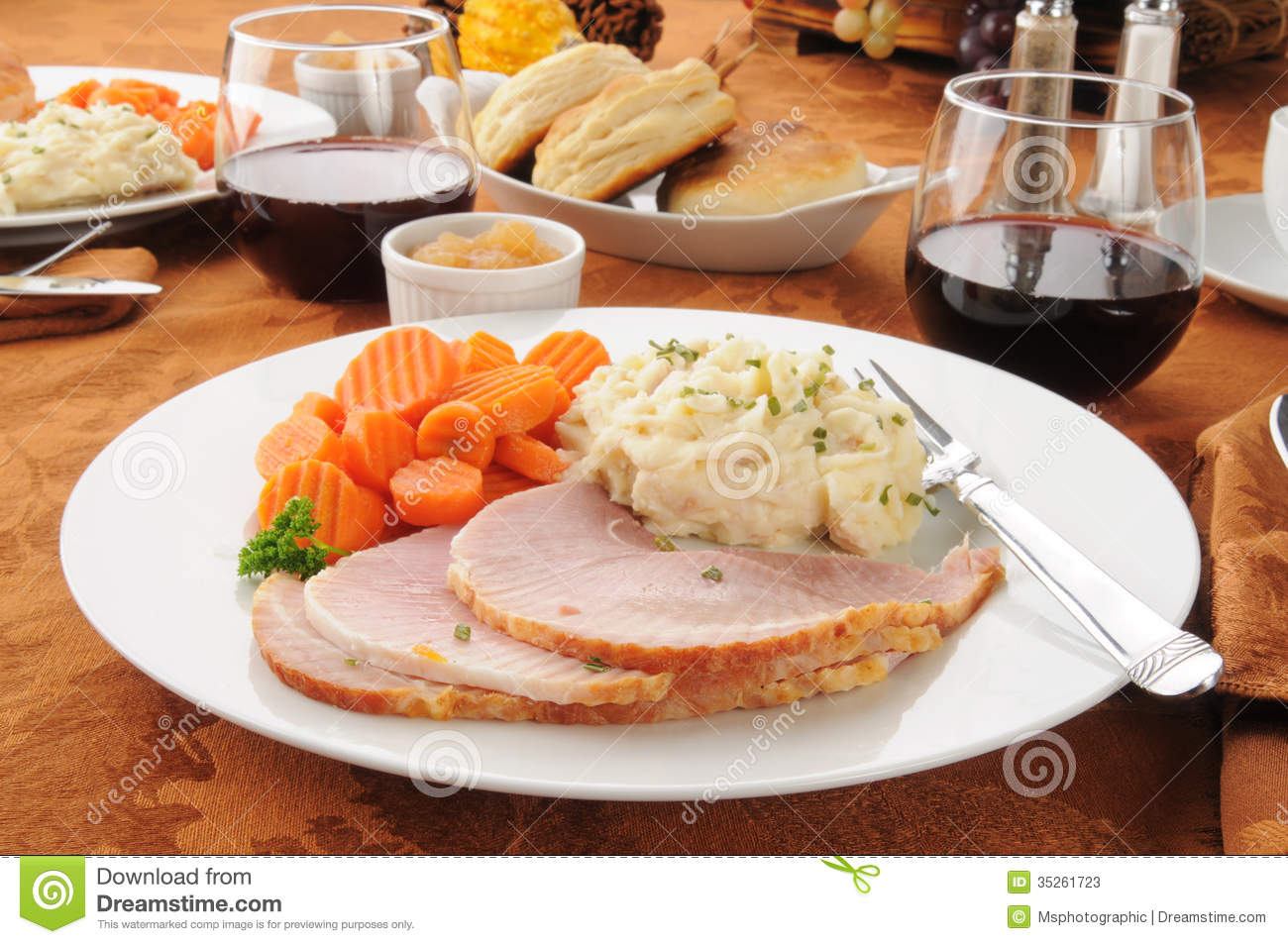 Baked Ham With Mashed Potatoes And Carrots