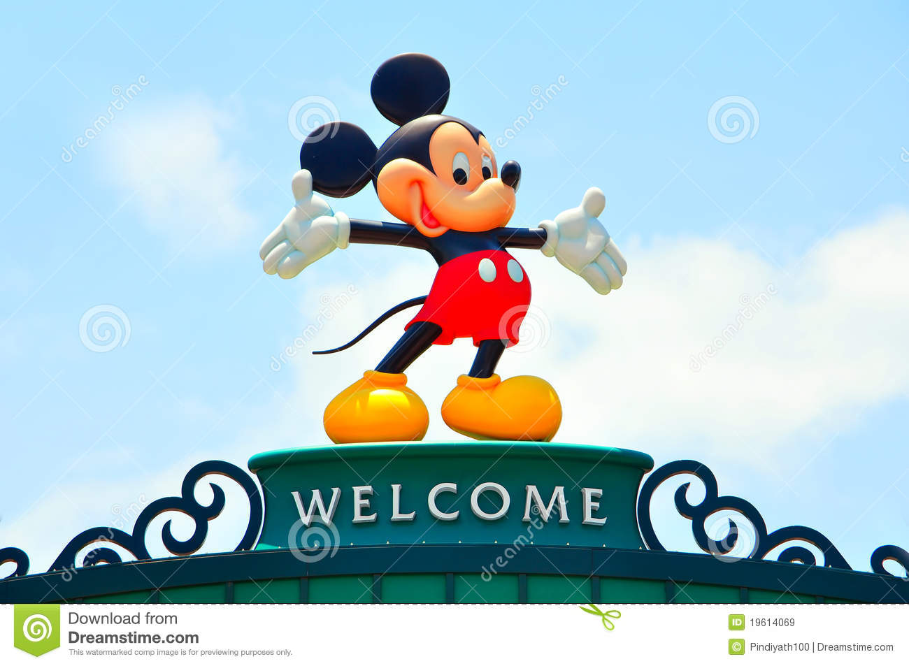 Large Figurine Of Mickey Mouse On The Welcome Banner With Natural