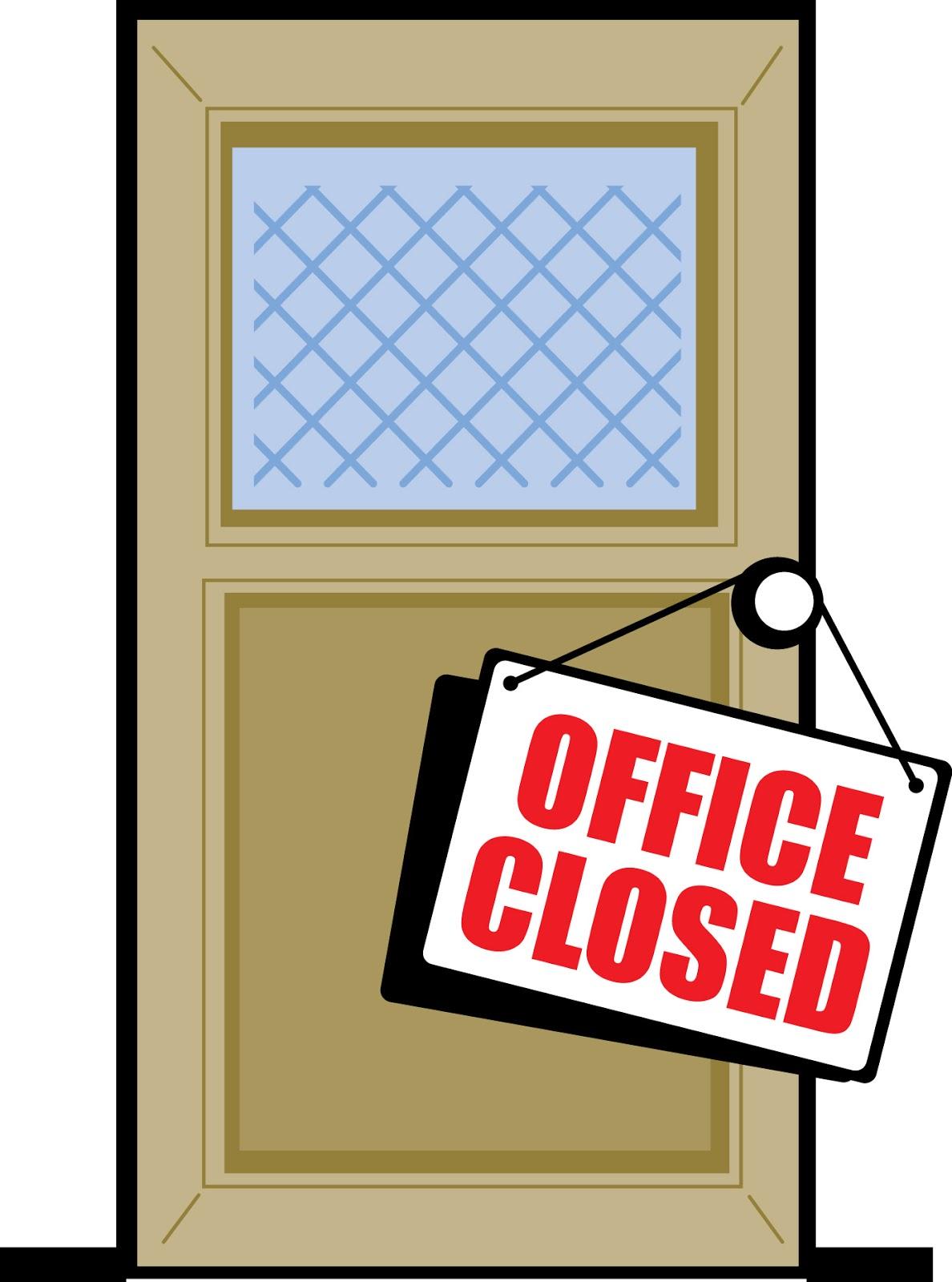 Три женщины закрылись в офисе 14 фотография