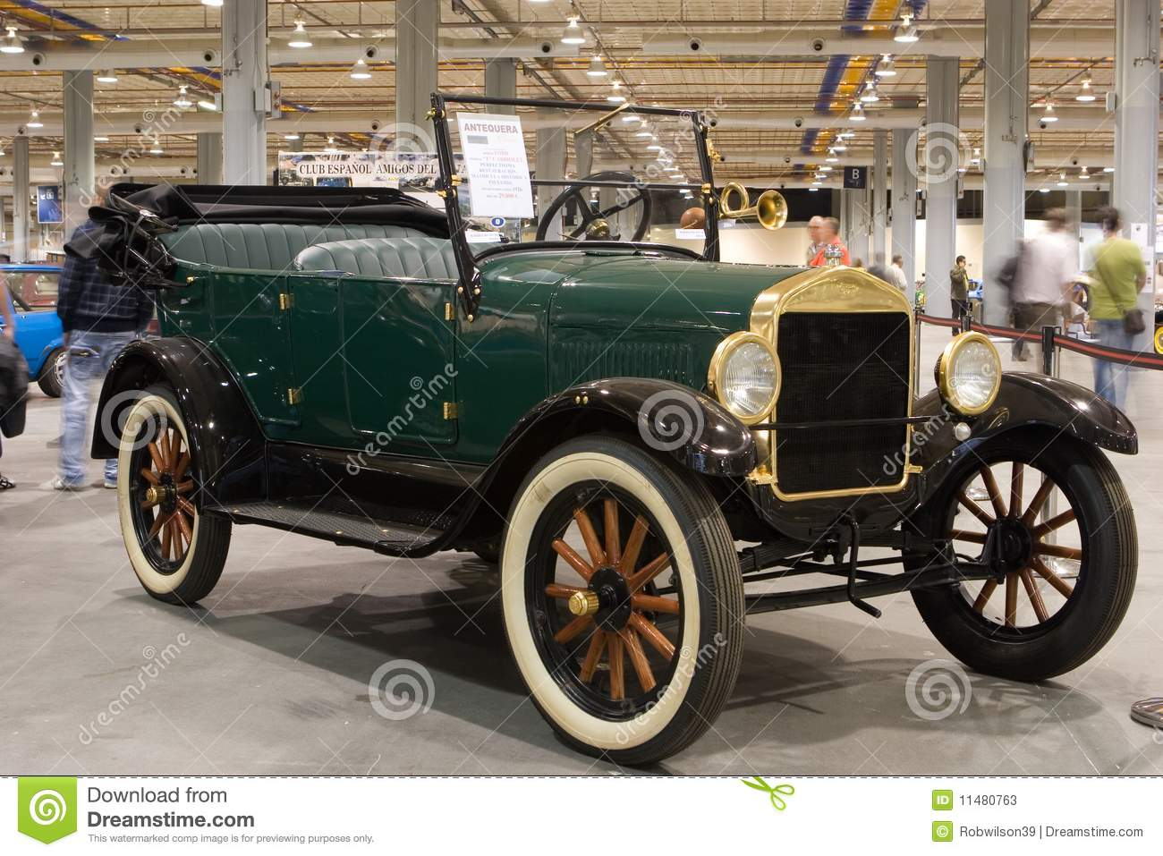Valencia Spain October 16 Restored 1926 Ford Model T Cabriolet At The