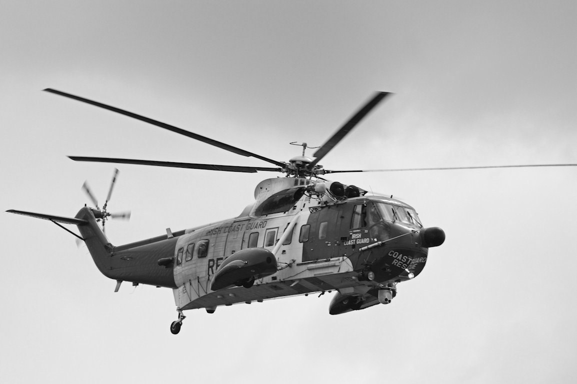 Army helicopter clipart black and white