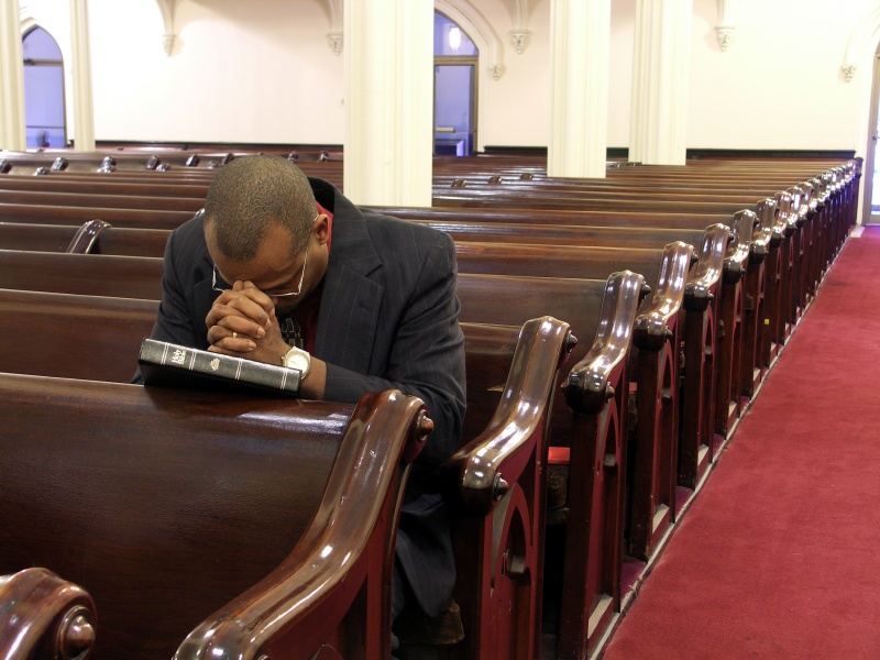 Simple Advice On Praying For Your Church Family   Pastor Dave Online