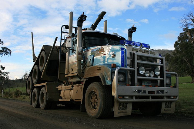 Tri Mack Trucking Http   Www Flickr Com Photos Sydney Heavy Towing