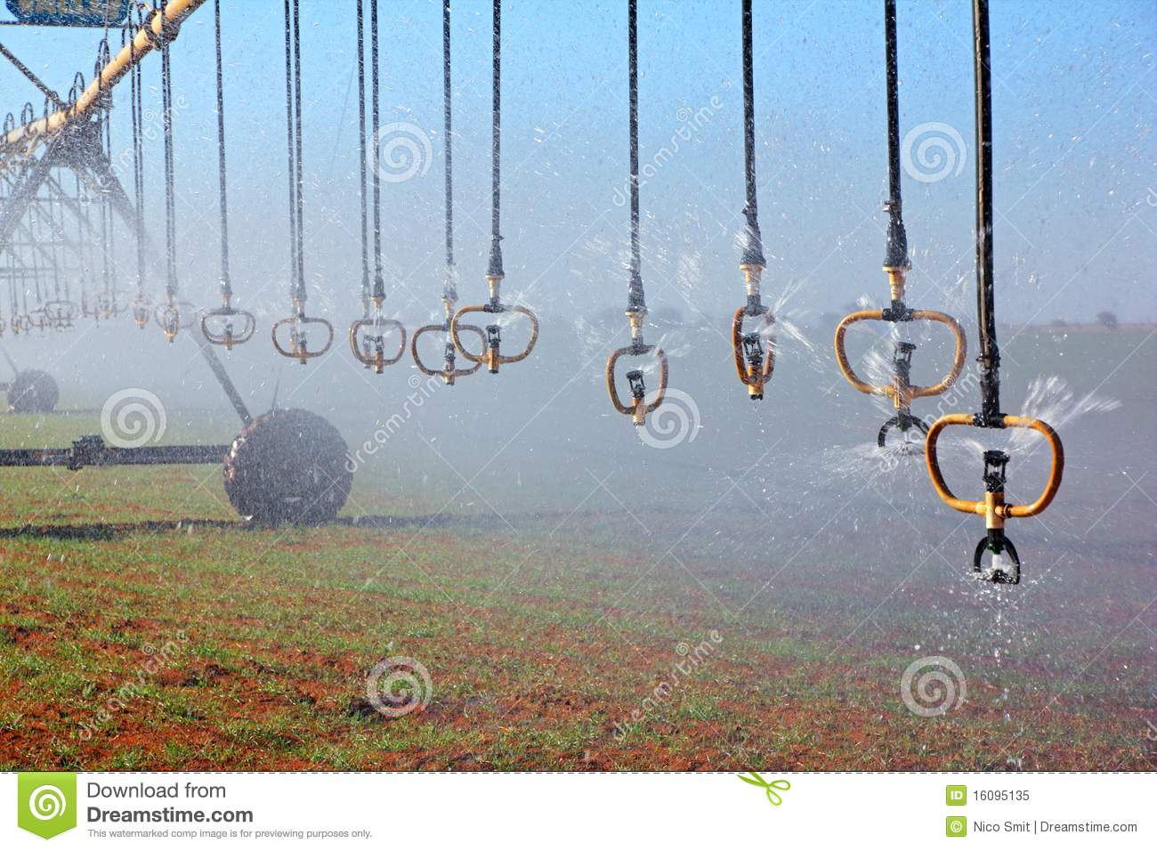 Pivot Irrigation Royalty Free Stock Photo   Image  16095135