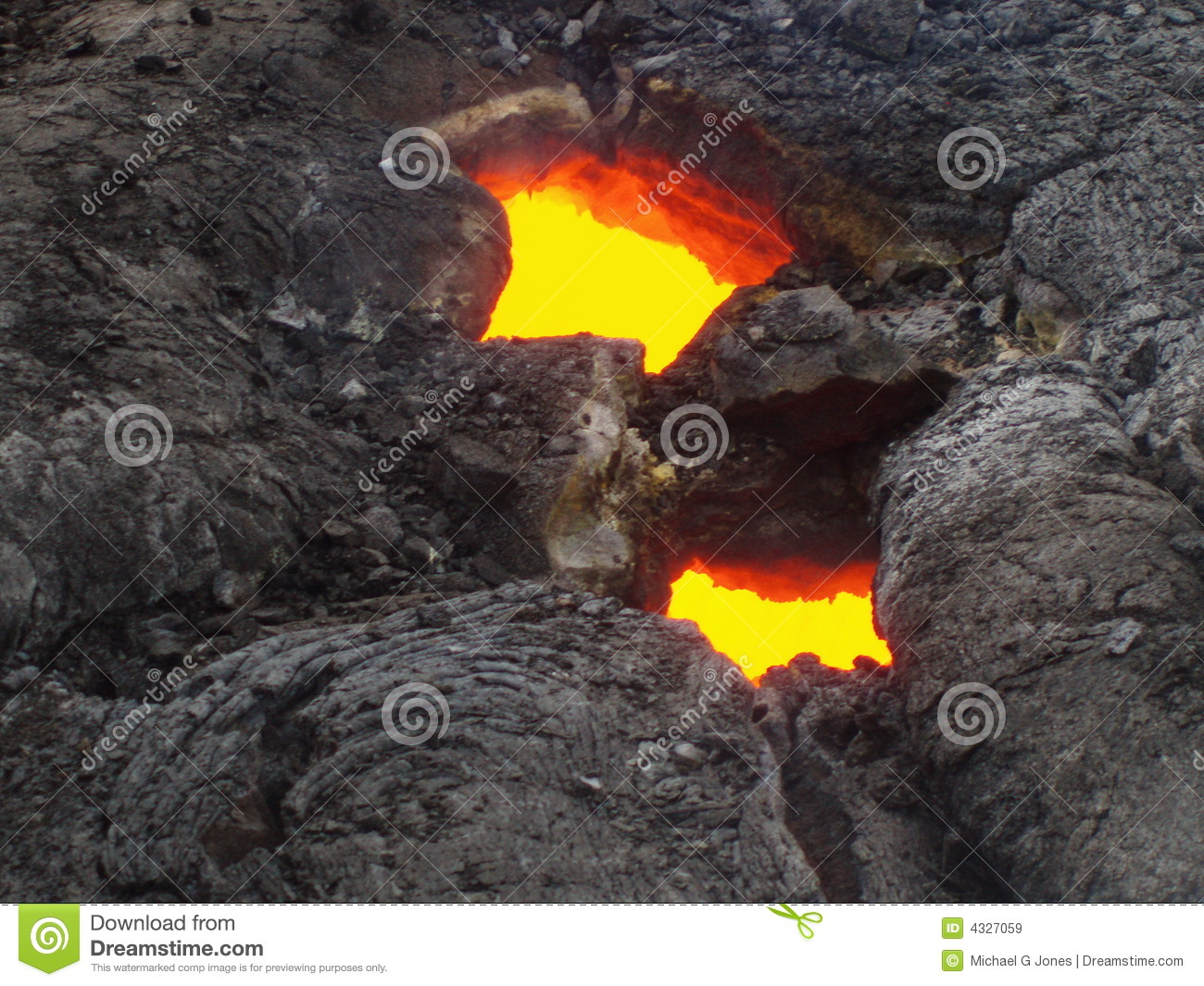 Lava Flowing Through A Tube On It S Way To The Ocean