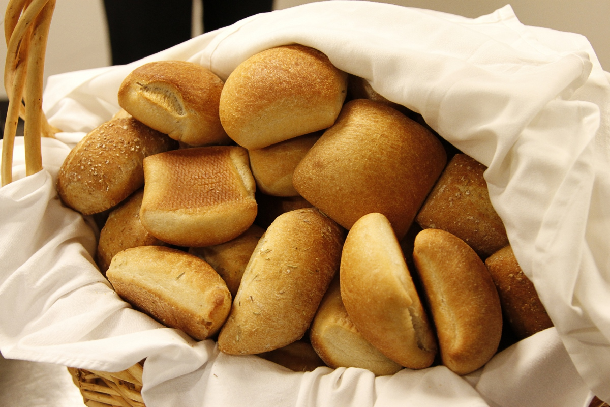 Bread Rolls Clipart - Clipart Suggest
