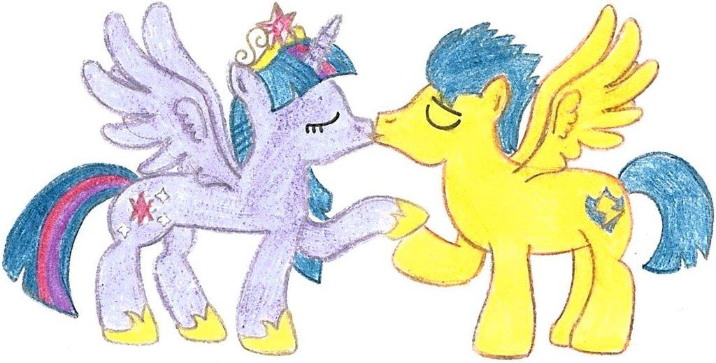 My little pony princess twilight sparkle and flash sentry kiss - photo#12