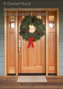 Christmas Door Front Open Home House Clipart   Wreath Christmas Door