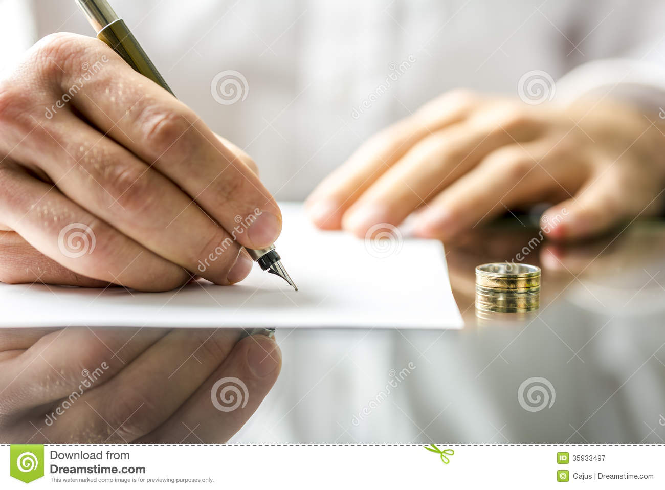 Signing Divorce Papers Royalty Free Stock Photography   Image
