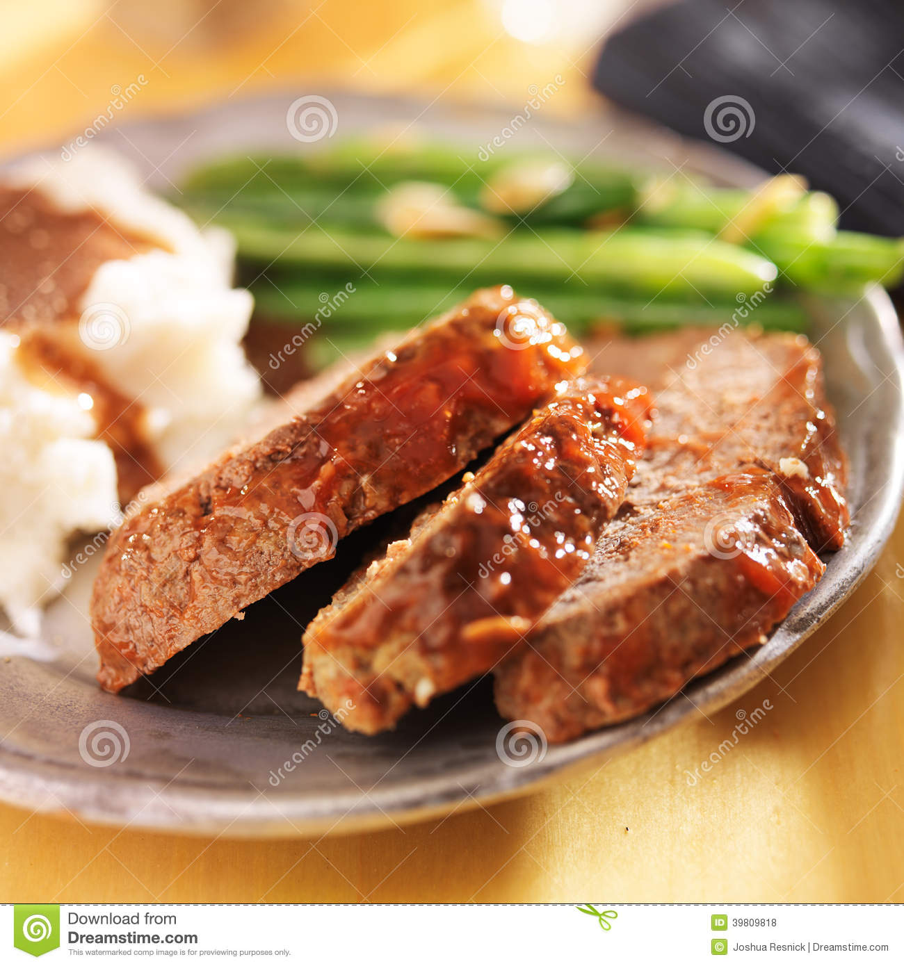 Meatloaf With Greenbeans And Mashed Potatoes Stock Photo   Image