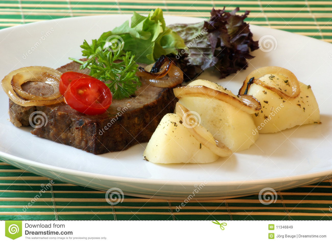Sliced Meat Loaf With Vegetable On A Plate Royalty Free Stock Images