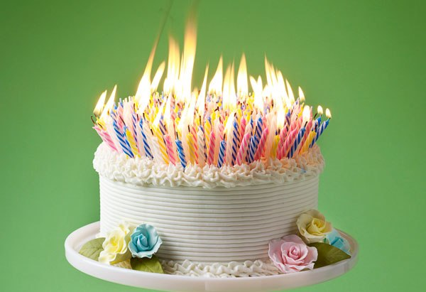Pictures Of Birthday Cakes With Many Candles : Birthday Cake On Fire Clipart - Clipart Suggest