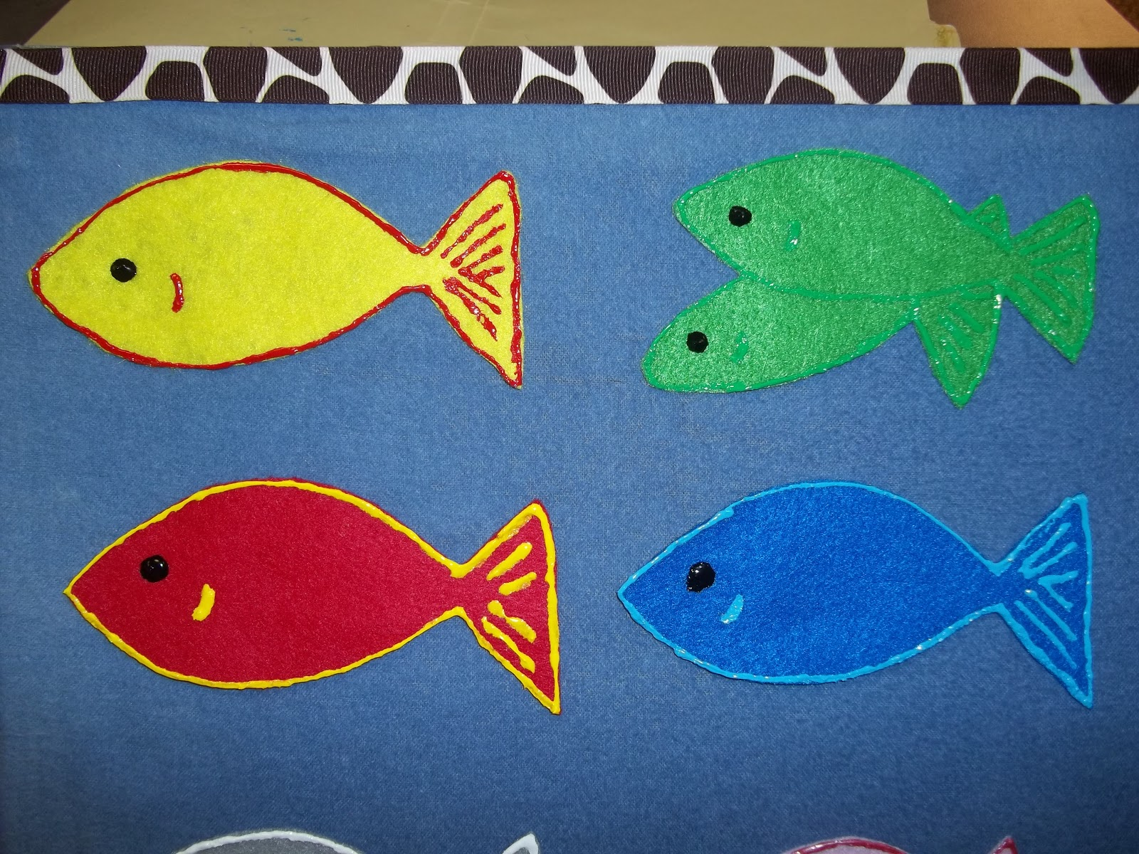 Green Puff Paint Red Fish Red Outlined In Yellow Puff Pant Blue Fish