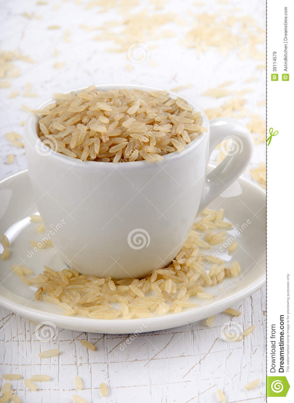 Brown Rice In A Cup Stock Photo   Image  39114579