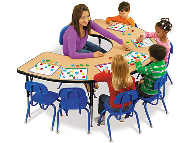 Teacher Table Clipart Clipart Suggest