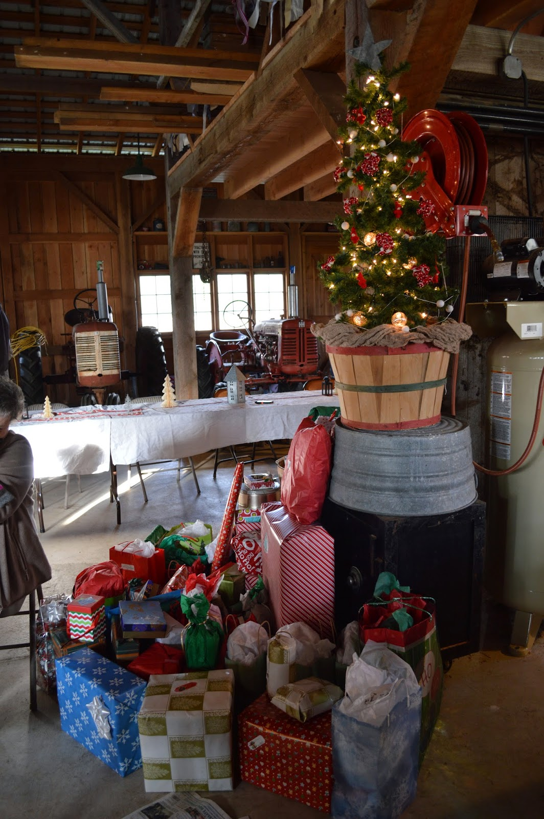 Red Gate Farm  Christmas In Our Barn Or I Better Get This Done Before