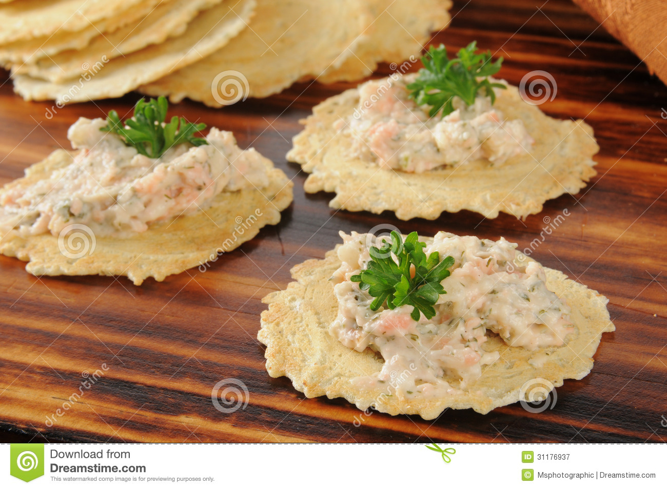 Smoked Salmon Dip On Gourmet Crackers Royalty Free Stock Photography