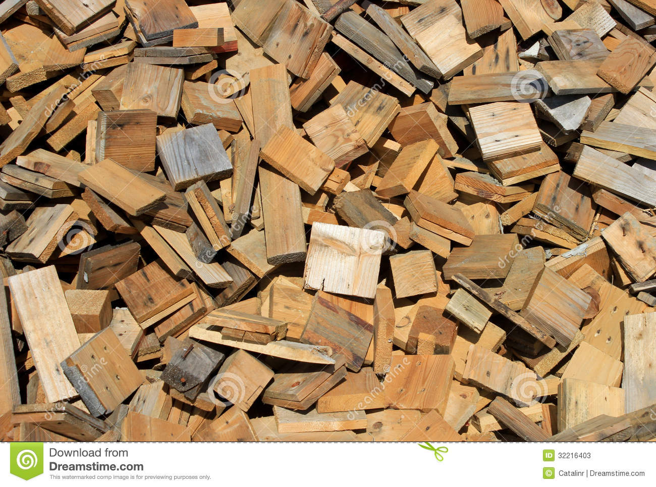 Scrap Lumber Stock Photos   Image  32216403