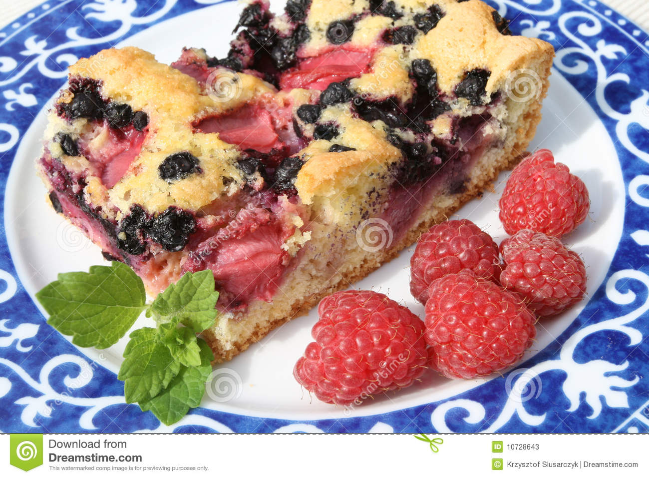 Blackberry Pie Stock Photos   Image  10728643