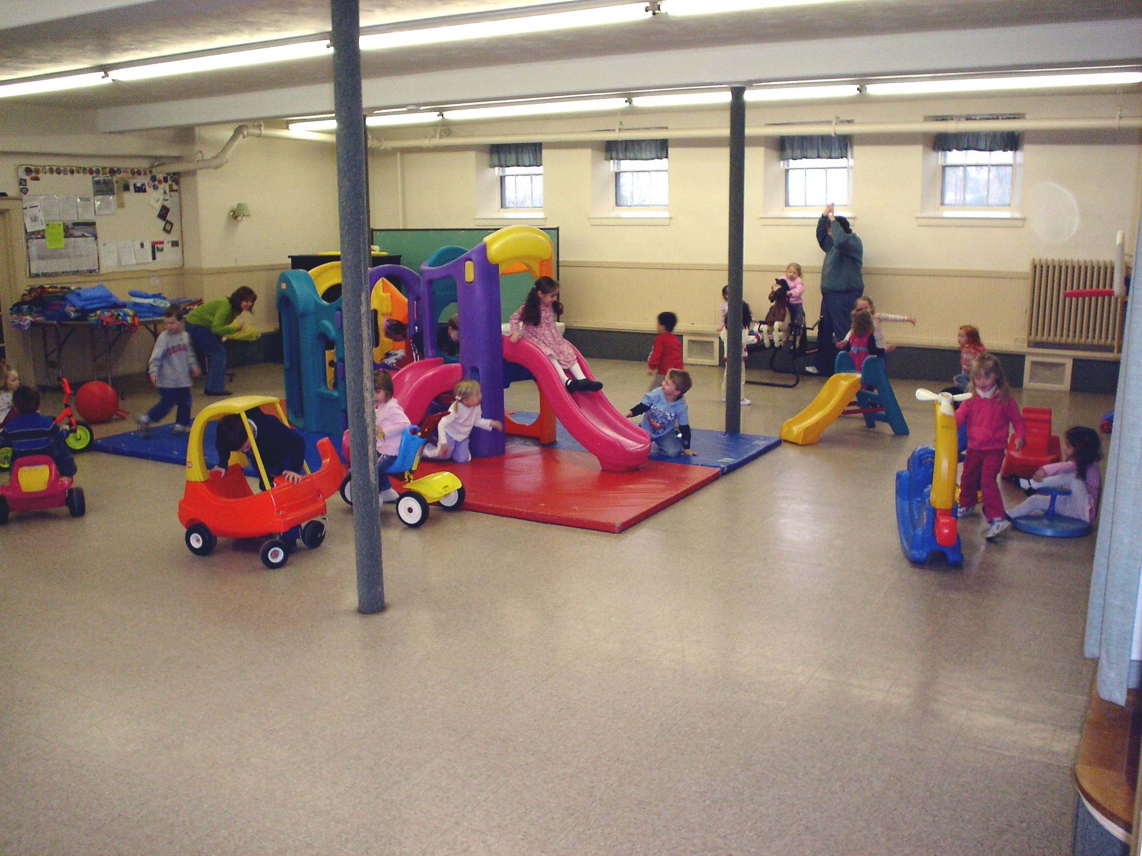 Preschool playground clipart clipart suggest for Indoor gym equipment for preschool