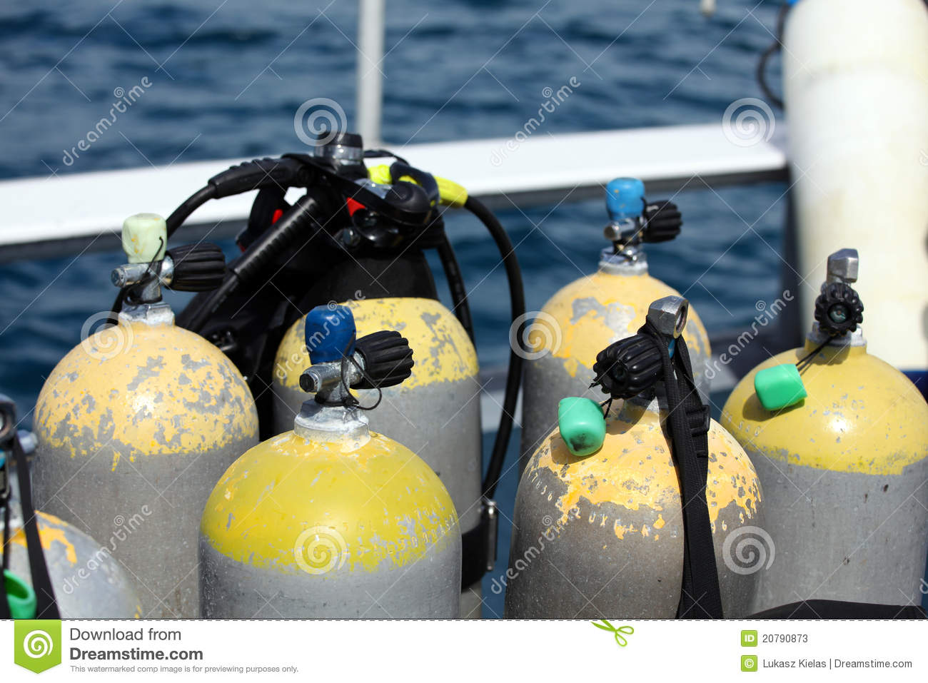 Scuba Tanks And Vest Stock Photos   Image  20790873