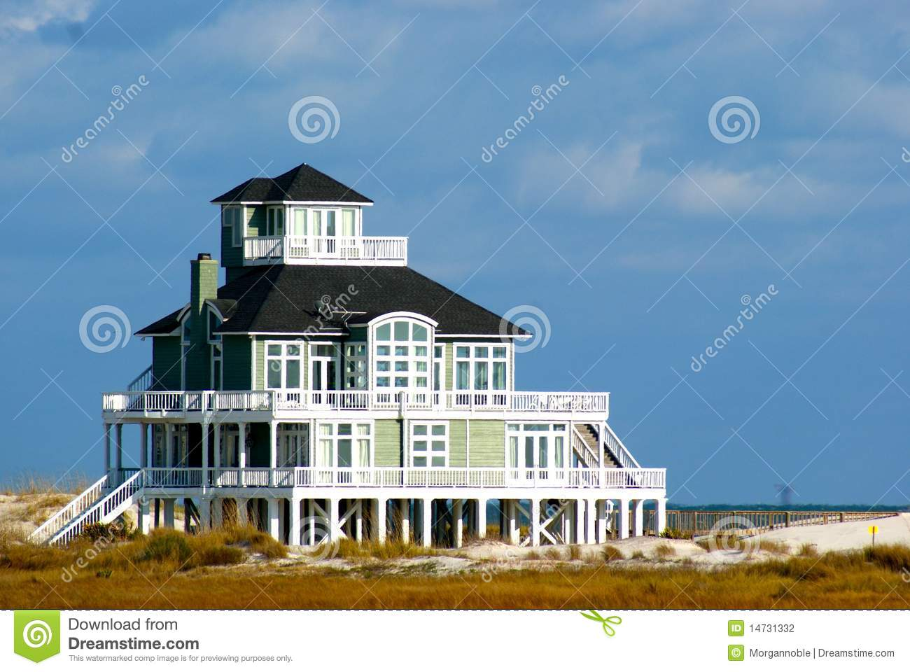 Beach Shack Clipart Beautiful Beach House On Shore