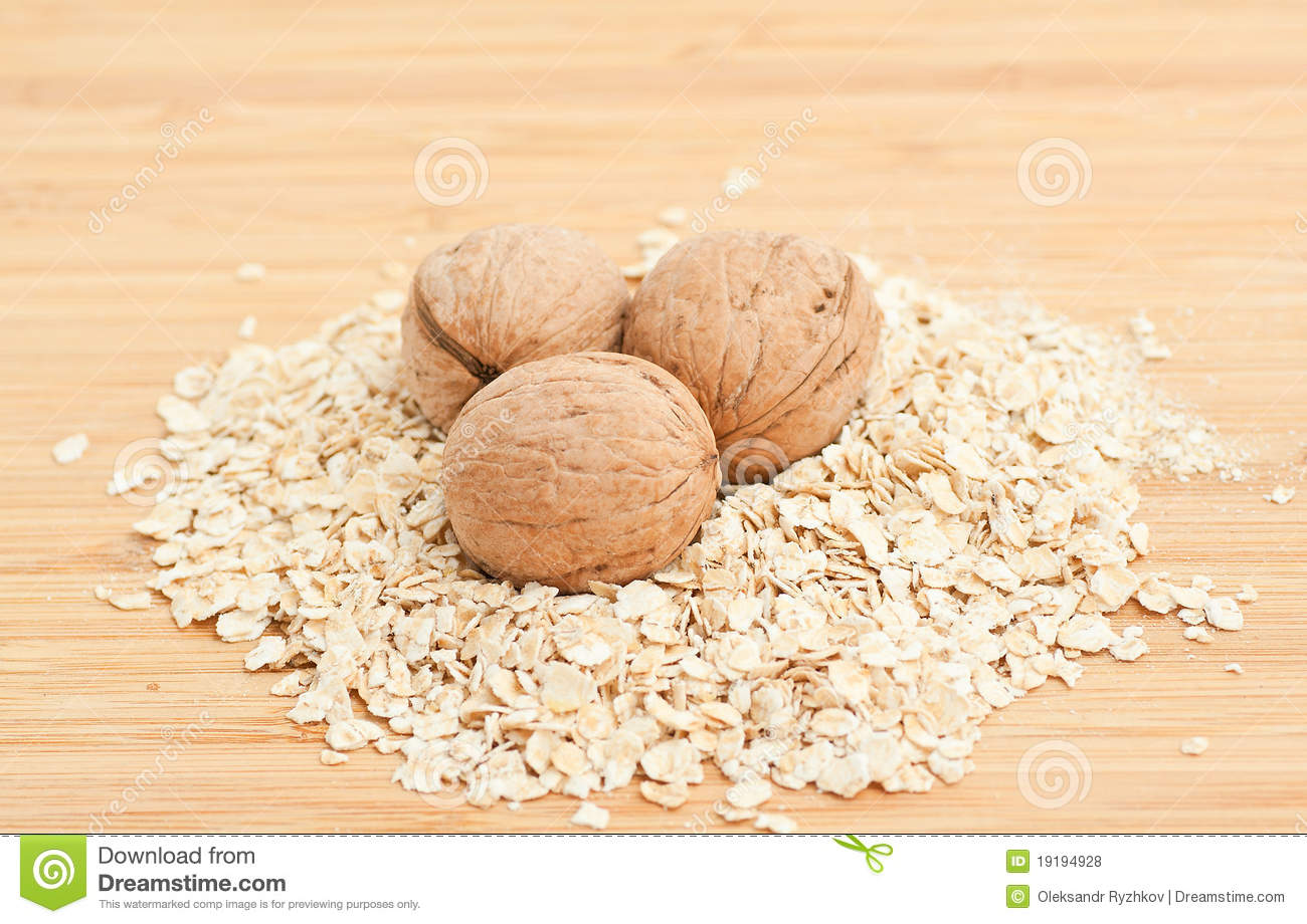 Bowl Of Oatmeal Royalty Free Stock Photos   Image  19194928