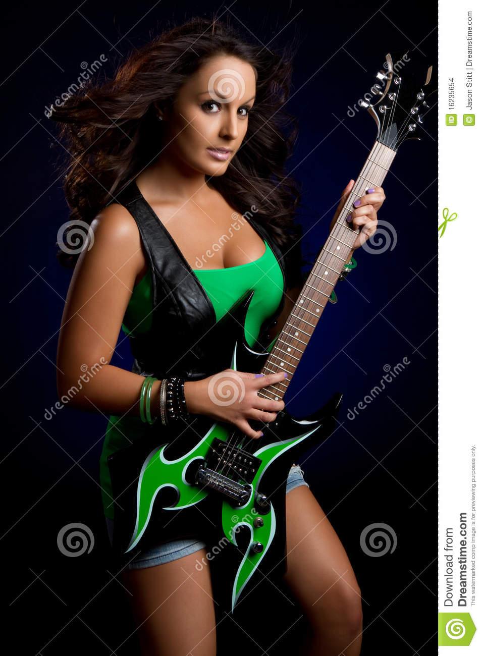 Фото девушек с гитарой рок