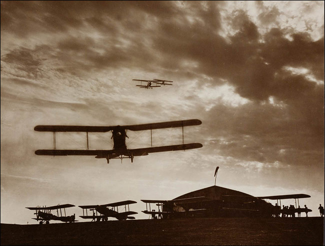 Dynamic Photo Of Of Aircraft In Silhouette Vintage Wwi Aviation Battle
